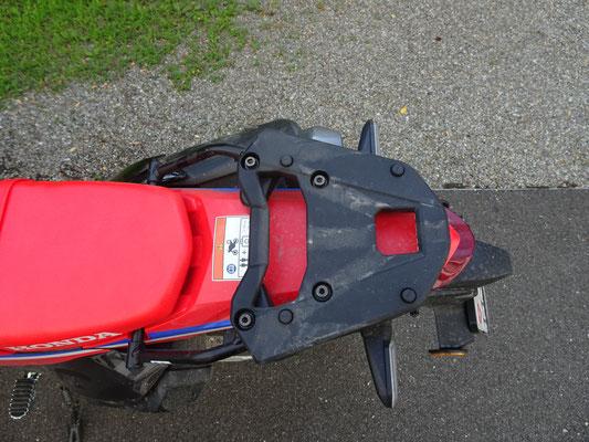Gepäckträger als Zubehör - Motorglobe Motorradtest Honda CRF300Rally