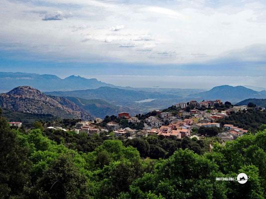 Blick auf Villagrande Strisaili,