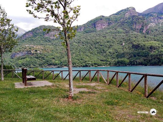 Paustenstopp am schönen gelegenen See Embalse de Bubal