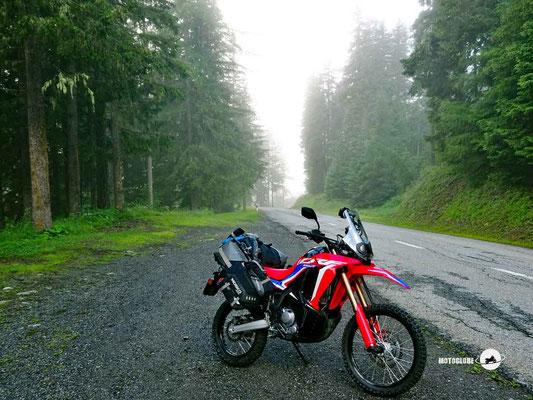 Col de Champex - Motoglobe Motorradtest Honda CRF300Rally