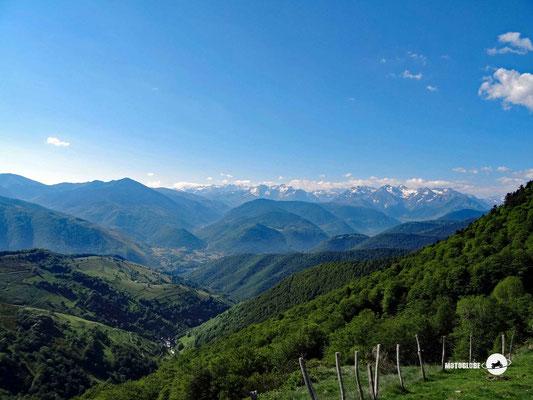 Das Panorama auf dem Col d'Aspin