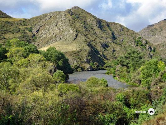 Entlang des Mtkwari Flusses