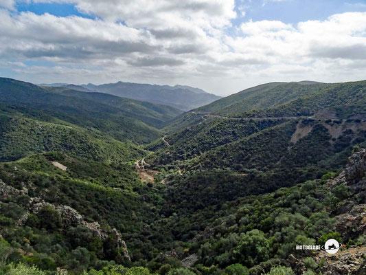 Fluminimaggiore liegt inmitten grüner Hügel
