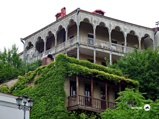 Viel alte Häuser besitzen eine solche Veranda