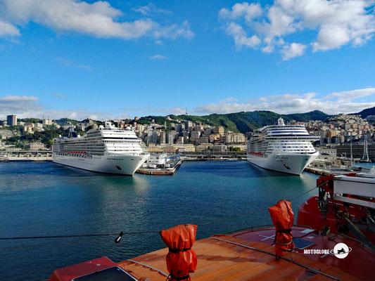 Im Hafen von Genua ist was los