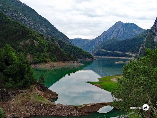 Am Ufer des Sees Pantà d'Escales