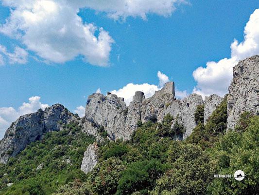 Die hoch oben thronende Katharerburg Peyrepertuse