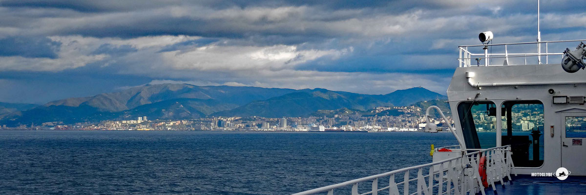 Morgenstimmung vor dem Einlaufen in Genua