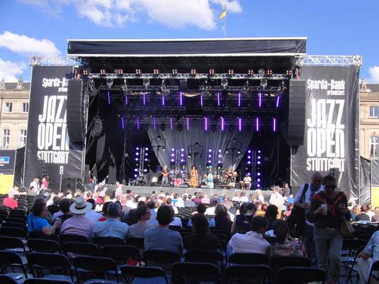 MAYEMBÉ MALAYIKA opens for KATIE MELUA @ Jazzopen Stuttgart