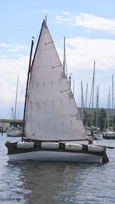 Fendercatboot auf der Schlei vor Arnis gesehen