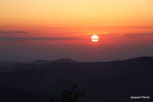Samedi 28 mai 2011  Lever du soleil au Hohneck ( Hautes Vosges )