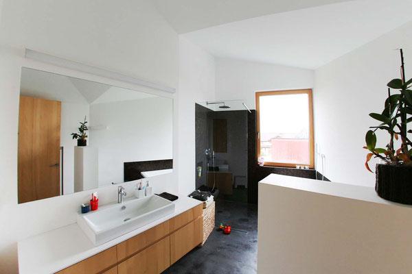 Badezimmer Guß schwarz  ©2019 Welte Architetkur