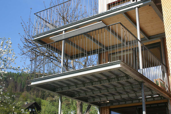 Generationenhaus Terrasse Metall