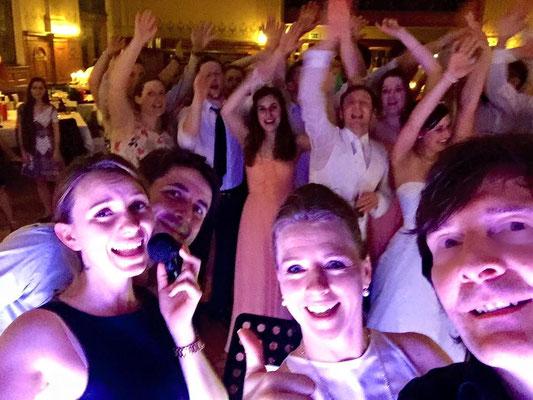 jede Menge Spaß mit einem tollen Brautpaar und deren Hochzeitsgäste