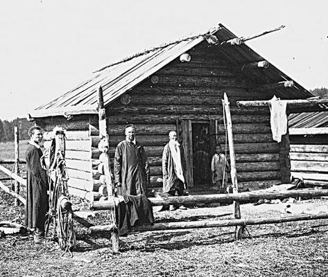 Maison bashkir traditionnelle en rondins (isba) fin 19e