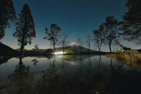 湖畔の夜明け  全日写連支部対抗戦・全国11位     河口湖