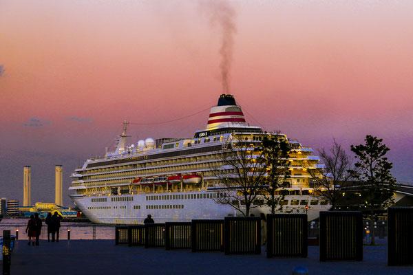 豪華客船  横浜港