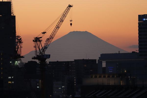 大桟橋からの夕景  横浜大桟橋