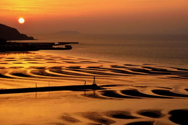 千古の造形  熊本県御輿来海岸
