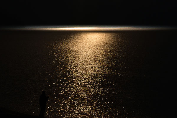 闇の輝き  栃木県日光市中禅寺湖