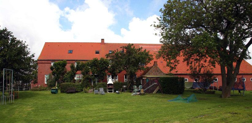 Rund um`s Hofleben auf Oldewurtels Ferienhof - Garten, Grill, Gemütlichkeit...