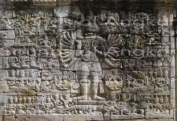 Plan général avec au centre Avalokiteshvara à Banteay Chhmar. Galerie ouest.