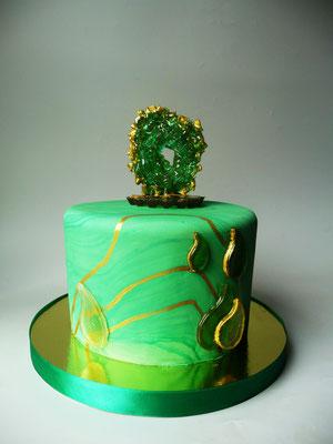 Подарочный торт с кристаллом изумруд (съедобно). Вес 4 кг