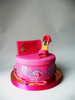 Торт для девушки Коробка, сумочка, туфелька