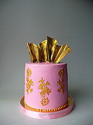 Подарочный торт с золотом. Вес 4,5 кг