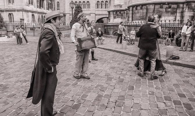#Artistes de rues de Paris - #Paris - #Valse musette - #Photos de Paris - #Paysages urbains - #DominiqueMAYER - www.dominique-mayer.com