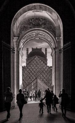 #Louvre - #Pyramide du Louvre - #ArchitecturedeParis - #Paris - #Photos de Paris - #Paysagesurbains - #DominiqueMAYER - www.dominique-mayer.com