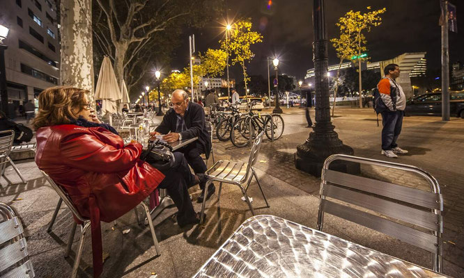 Barcelone en Espagne - Photos de villes - Paysages urbains - Badauds - Vacances en Espagne - Architecture de Barcelone - Dominique MAYER - www.dominique-mayer.com