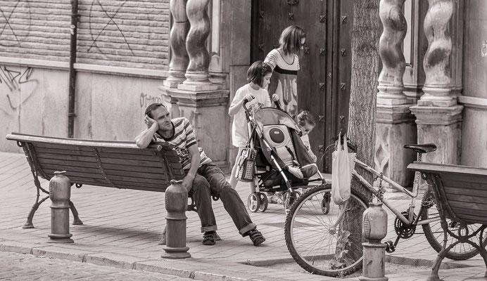#Bancs publics - #Granada #Espagne - #DominiqueMAYER - #Photographie - www.dominique-mayer.com