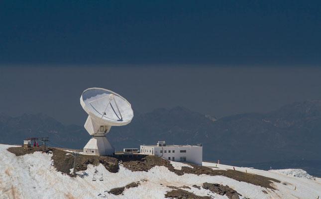 Observatoire astronomique du parc National de Sierra Nevada, altitude 2896 m - Photos de radiotélescope - Flâner en Espagne - Sierra Nevada en Espagne - Paysages d'Andalousie - Vacances en Espagne - Dominique MAYER - www.dominique-mayer.com