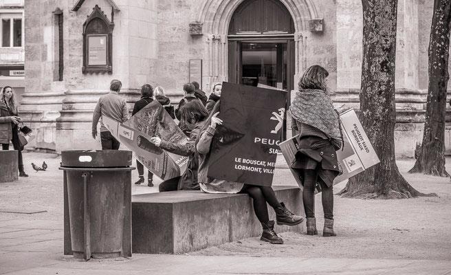 #Les badauds de Bordeaux - #Promeneur de Bordeaux - #Bordeaux - #Paysages urbains - #Photos de rues - #Dominique MAYER - www.dominique-mayer.com