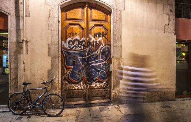 Barcelone en Espagne - Photos de villes - Paysages urbains - Photos de nuit - Vacances en Espagne - Badauds - Architecture de Barcelone - Dominique MAYER - www.dominique-mayer.com