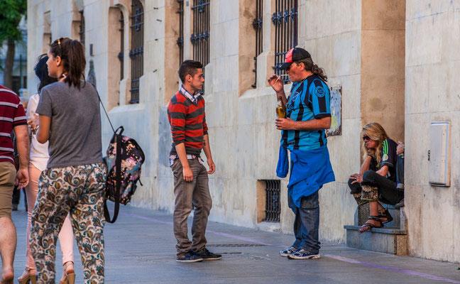 Les rues de Cadiz - Badauds - Flâner à Cadiz - Cadiz en Espagne - Photos de Cadiz - Vacances en Espagne - Dominique MAYER - www.dominique-mayer.com