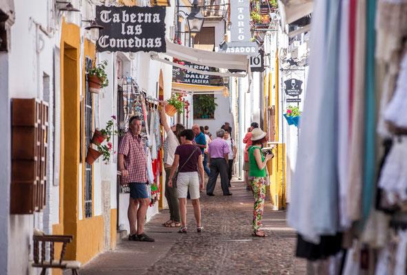 Les rues de Cordoue - Cordoba - Badauds - Flâner à Cordoue - Cordoba en Espagne - Photos de Cordoue - Architecture de Cordoue - Vacances en Espagne - Dominique MAYER - www.dominique-mayer.com