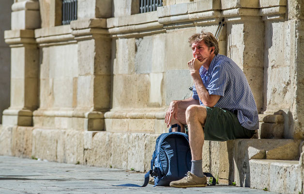 Tourisme à Séville - Place de la Cathédrale à Séville - Les rues de Séville - Badauds - Flâner à Séville - Séville en Espagne - Photos de Séville - Vacances en Espagne - Dominique MAYER - www.dominique-mayer.com