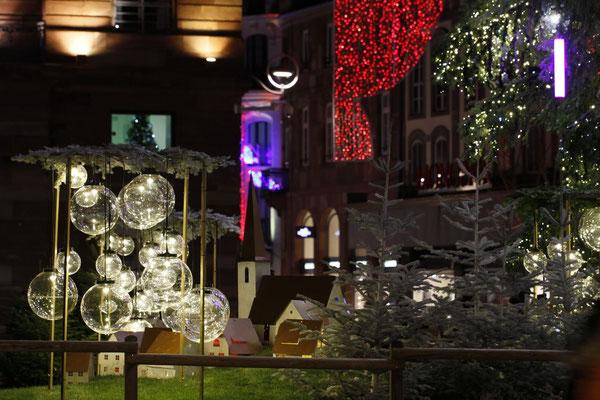 #Strasbourg capitale de noël - #marché de noël - #noël - #christkindelsmärik - #décorations de noël - www.dominique-mayer.com