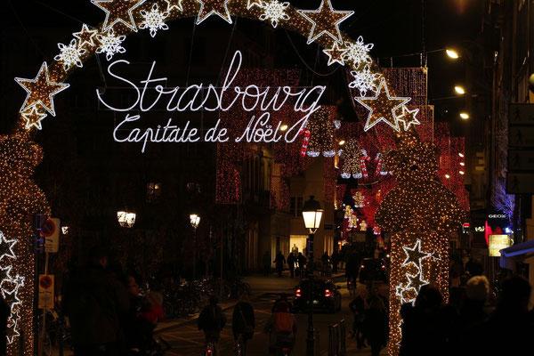 #Strasbourgcapitaledenoël - #marchédenoël - #noël - #christkindelsmärik - #décorations de noël - www.dominique-mayer.com