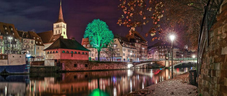 #Strasbourg capitale de noël - #marché de noël - #bibelots de noël - #christkindelsmärik - #décorations de noël - www.dominique-mayer.com