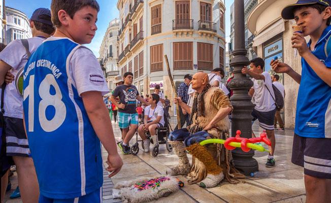 Artistes de rues - Les rues de Malaga - Badauds - Flâner à Malaga - Malaga en Espagne - Photos de Malaga - Architecture de Malaga - Vacances en Espagne - Dominique MAYER - www.dominique-mayer.com
