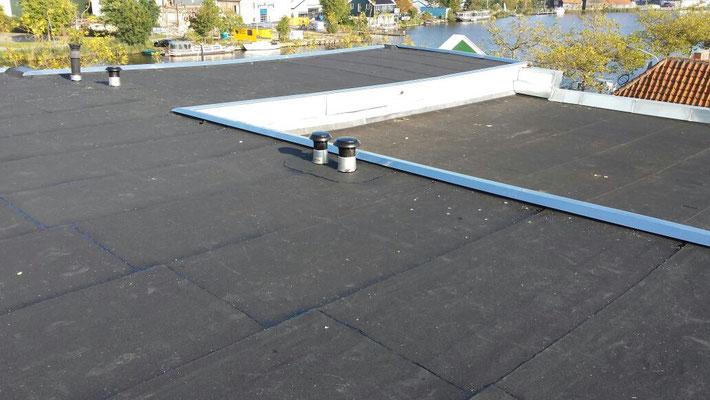 Vervanging dakbedekking bedrijfspand Wormerveer