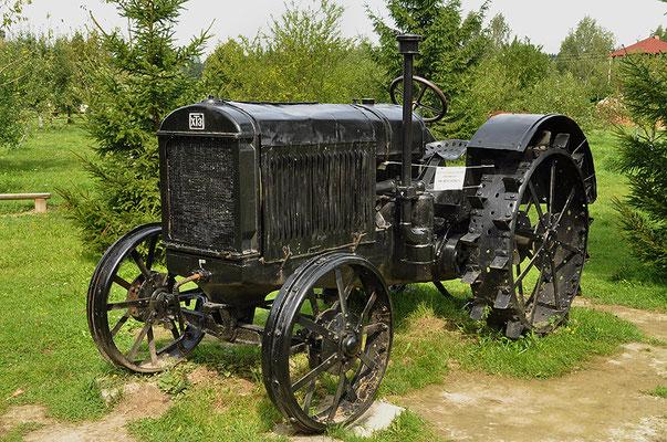Трактор ХТЗ (выпускался с 1931 по 37)