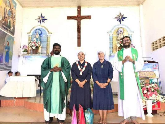 Avec le P. Charles et les deux religieuses thaïlandaises.