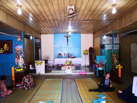 La petite église St Joseph de Sen Sok.