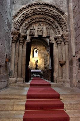 Die kleine Kapelle links neben dem Hauptaltar ist die ursprünglichste Teil von der Kathedrale