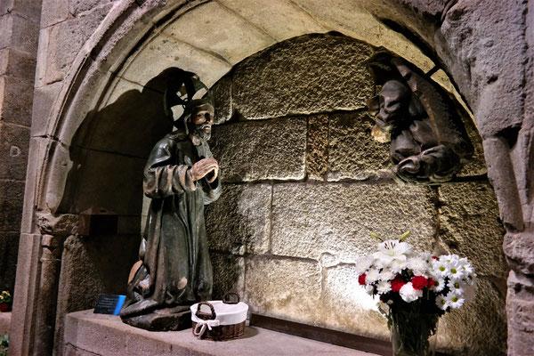 In Korb vor der Christus Statue werden Wunschzettel deponiert, ähnlich wie an der Klagemauer in Jerusalem