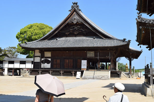 【西大寺の町並みシリーズ(その23)】こちらが西大寺観音院さんの本堂です。